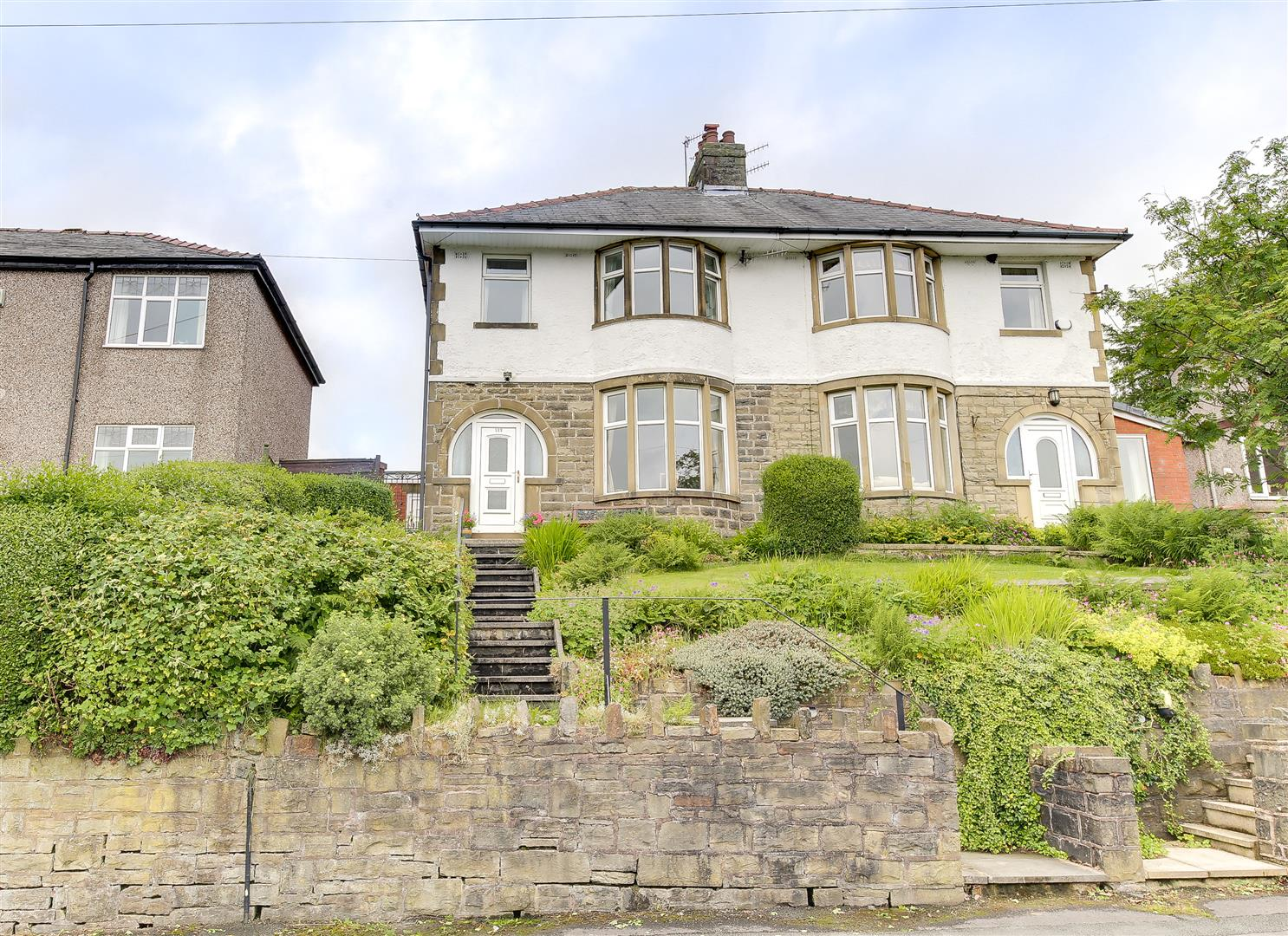 3 Bedrooms Semi Detached House for sale in Bankside Lane, Bacup